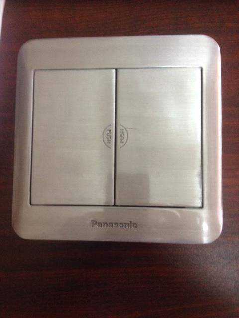 Ổ cắm âm sàn 6 thiết bị Panasonic DUMF3200LT-1