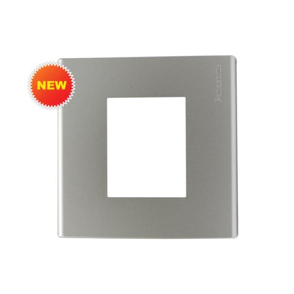 Mặt vuông dùng cho 1 thiết bị Panasonic WEB7812MW